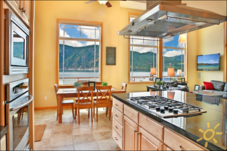 Chelan Pool House Vacation Rental