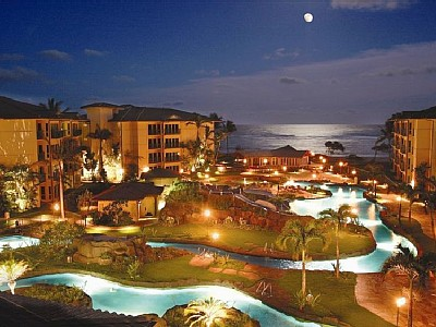 Moonrise over Waipouli Beach Resort Lazy River Pool!